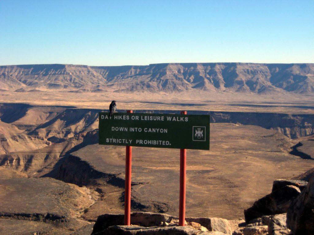 Blick vom Aussichtspunkt in den Fischfluss Canyon (Fish River Canyon) in Namibia