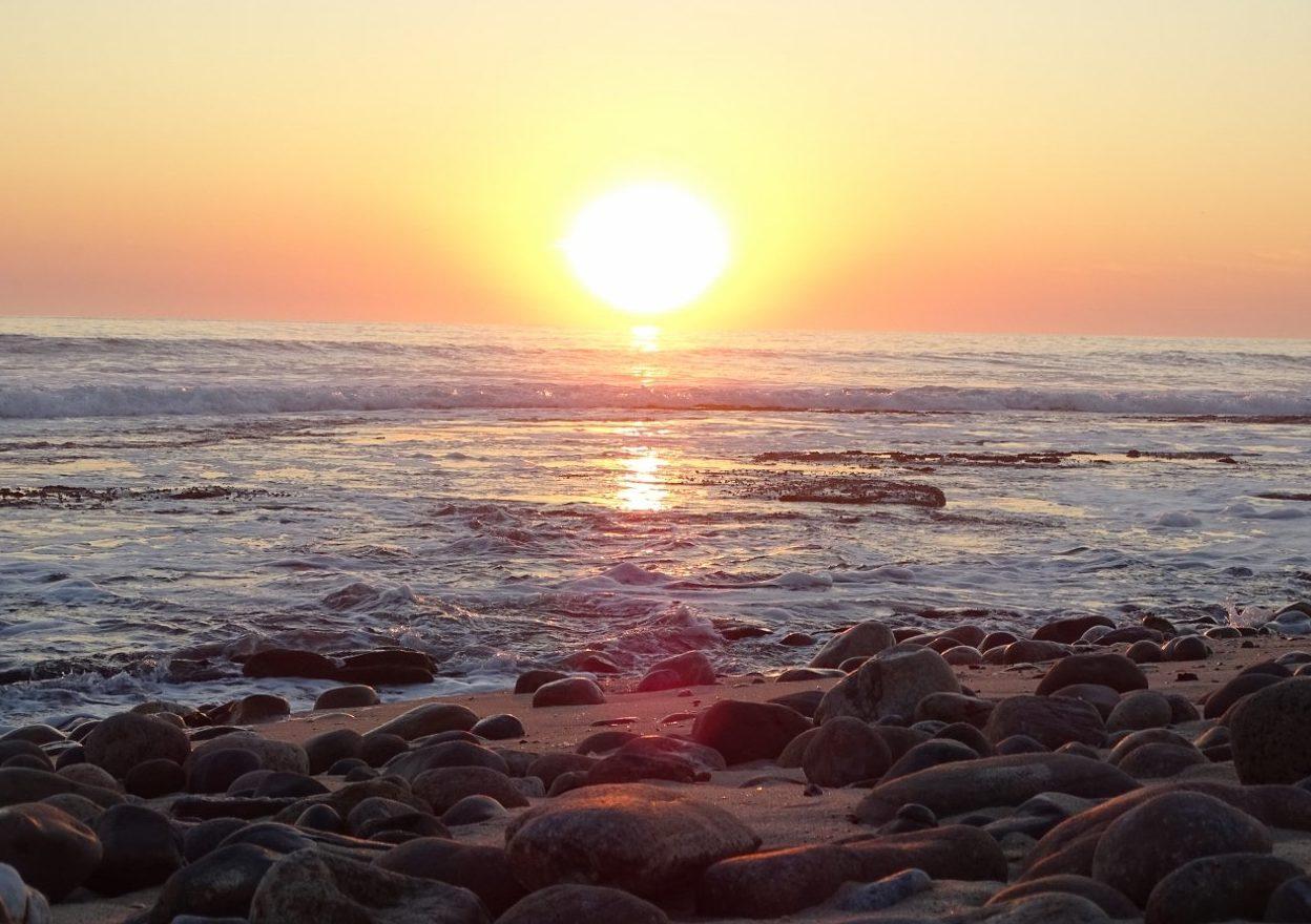 Sonnenuntergang über dem atlantischen Ozean in Swakopmund