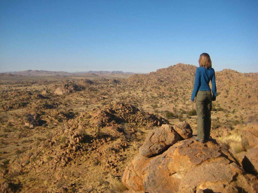 Über den Granitkuppen der Namib