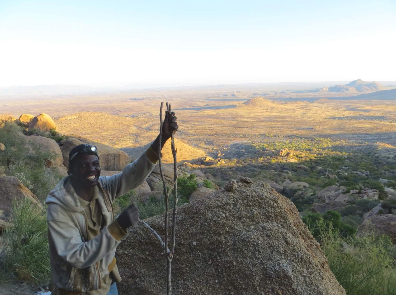 Bei den Small Miners -der Blick vom Rand des Erongo Kraters