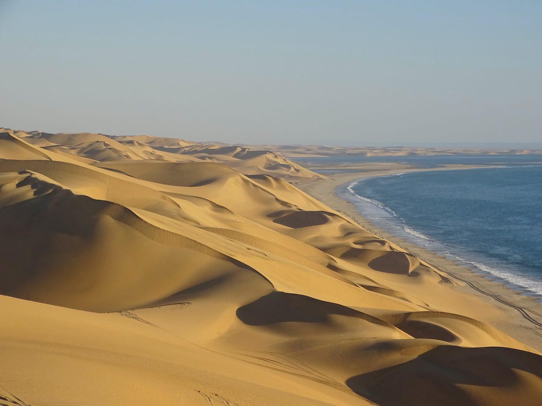 Die Dünen reichen bei Sandwich Hafen bis zum Atlantik