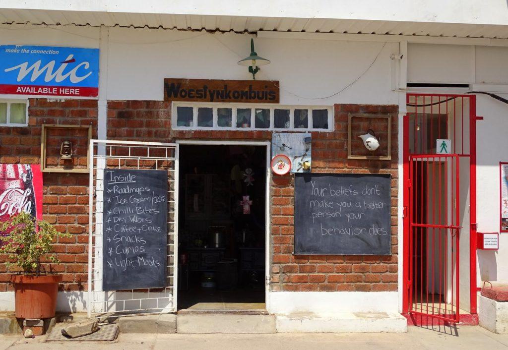 Laden und Tankstelle in Maltahöhe