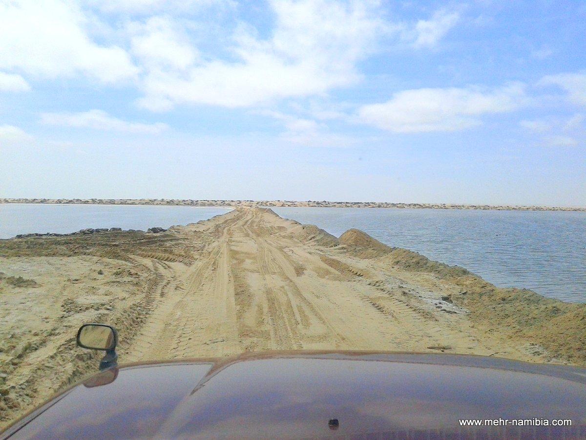 Namibias Küste - Wege zwischen den Salzbecken
