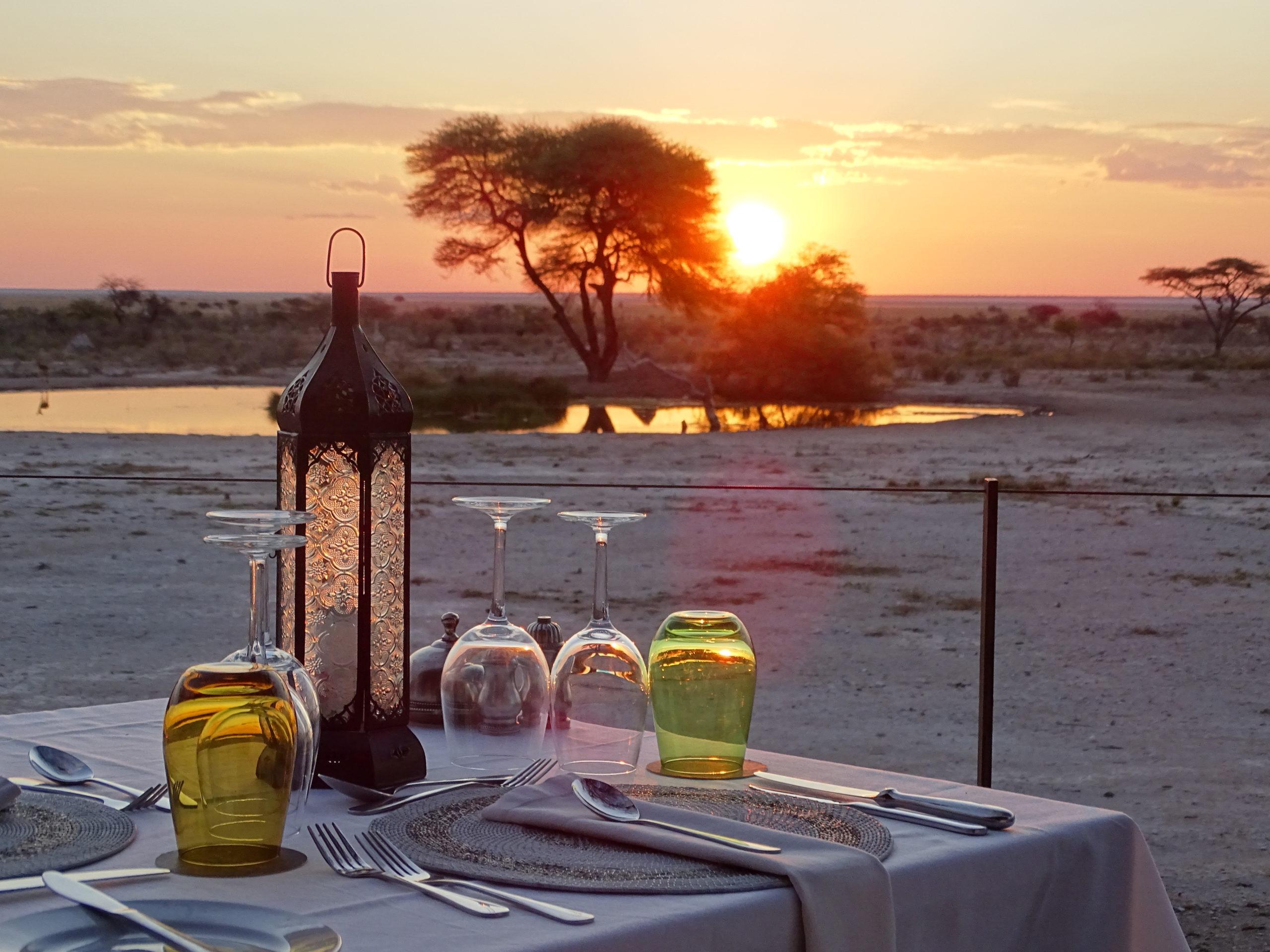 Stilvoller Sonnenuntergang in Namibia